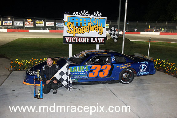 Schuyler Survives To Win B&M Electric 50